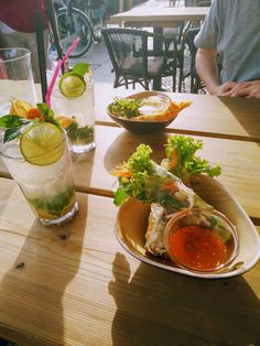 Vietnamese food in Berlin. We have never eaten better than when we were in Berlin. Such varied food all over the city. Would go back just to eat. Vietnamese Food, Vietnamese Recipes, Eating Well, Berlin, Food And Drink, Wellness, City, Ethnic Recipes, Vietnamese Cuisine