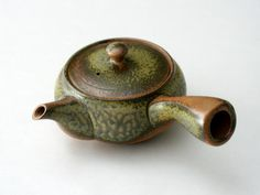 Earthenware Kyusu (teapot: 360ml) - JAPANESE GREEN TEA | HIBIKI-AN