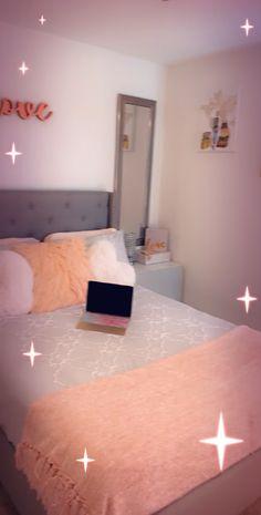 Stylish teen room decor Sweet as a peach 🍑 room decor, want to shop this loo… – RoomDecor 2020 Room Design Bedroom, Room Ideas Bedroom, Bedroom Decor, Decor Room, Teenage Room Decor, Peach Rooms, Cheap Room Decor, Beauty Room Decor, Aesthetic Room Decor