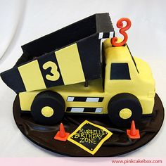 Dump Truck Birthday Cake by Pink Cake Box Monster Truck Birthday Cake, Cute Birthday Cakes, Birthday Ideas, Dump Truck Cakes, Pink Cake Box, Cupcakes Decorados, Character Cakes, Cakes For Boys, Boy Cakes