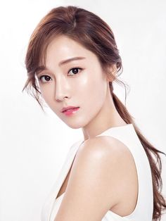 Jessica Jung (born April professionally as Jessica, is an American singer, songwriter, actress, and businesswoman currently based in South Korea. Born and raised in San Francisco. Kim Hyoyeon, Sooyoung, Yoona, Snsd, Jessica & Krystal, Krystal Jung, Jessica Jung Fashion, Ex Girl, Elle Woods