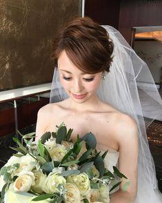 ブライダルヘアの人気前髪アレンジカタログ | marry[マリー] Bridal Make Up, Bridal Hair, Hair Arrange, Creative Hairstyles, Wedding Hair Accessories, Bride Hairstyles, Wedding Images, Hair Looks, Wedding Makeup
