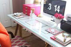 Maqui indica: como montar uma mesa barata e linda pro seu quarto