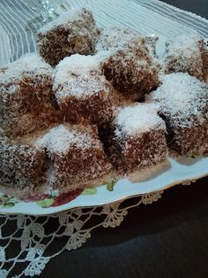 Naturally Curly Bob, Short Curly Styles, Greek Recipes, Nutella, Chocolate Cake, Food And Drink, Yummy Food, Sweets, Desserts