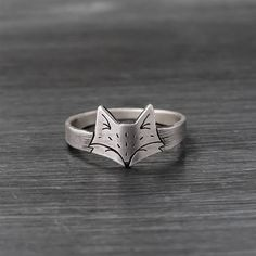 Fox Ring  Sterling Silver Handmade Fox Ring  Original Design from RococoRiche on Etsy • via Amanda Leigh