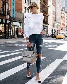 Blonde Woman Wearing Zara White Ruffle Shirt Topshop Denim Ripped Skinny Jeans C… 2019 Cozy Winter Outfits, Fall Outfits, Casual Outfits, Cute Outfits, Lässigen Jeans, Outfit Jeans, Skinny Jeans, Torn Jeans, Look Fashion