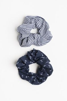 Striped and Anchor Scrunchies Scrunchies, Velvet Scrunchie, Diy Hair Accessories, Cute Jewelry, Hair Ties, Diy Hairstyles, Teen Fashion, Trending Outfits, Cute Outfits
