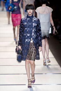 Fendi at Milan Fashion Week Spring 2014 - StyleBistro Fashion Week, Daily Fashion, Fashion Show, Milan Fashion, 2014 Fashion Trends, 2014 Trends, Fendi, Summer Coats, Catwalk Collection