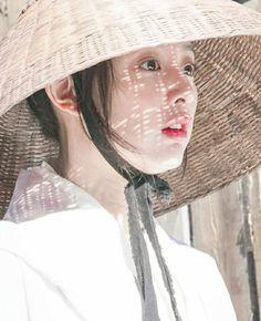 Korean Beauty, Asian Beauty, Kim Ji Won, Hallyu Star, Kim Woo Bin, Cute Girl Photo, K Idols, Korean Drama, Cute Girls