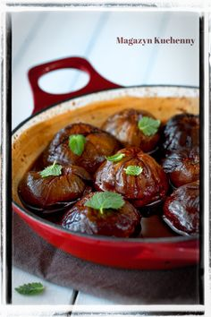 Figs baked with red wine