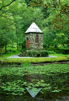 I could live in there... From the Barony garden in Rosendal, Norway