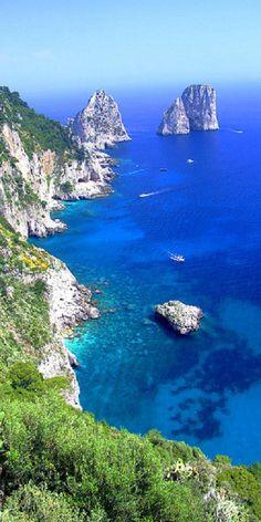 Sfoglia le Offerte! Faraglioni Rocks, Napoli, Capri, ITALY