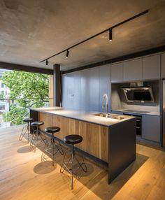 Haus Design mit moderner Küche in Grau   Allgemein   Pinterest ...