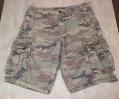 American Eagle Outfitters Green Camo Longboard Cargo Shorts Mens Size 32 #AmericanEagleOutfitters #CasualShorts