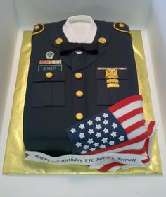 Birthday cake for an Army soldier – fondant covered and decorated – uniform, flag, and edible image banner Army Cake, Military Cake, Military Party, Army Party, Military Retirement Parties, Retirement Cakes, Retirement Ideas, Army's Birthday, Birthday Cakes