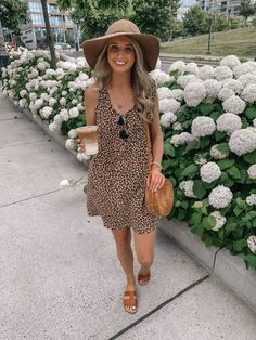 leopard leopard dress leopard dress outfit leopard dress summer prada and pe Black Dress Outfits, Summer Dress Outfits, Outfits With Hats, Dress Summer, Simple Summer Outfits, Casual Summer Outfits, Summer Dresses For Women, Leopard Print Outfits, Leopard Dress