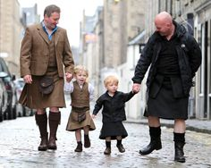 I do like to see : men wearing kilts
