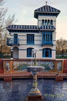 Casa de los patos y estanque Talavera de la Reina Water Features, Aqua, Mansions, House Styles, Ducks, Museum, Home Decor, Ponds, Monuments