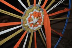 Hoola Hoop Weaving: make it a welcome back to school project for your class in school colors!