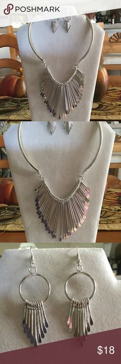 Pretty metal statement necklace Looks cool when wearing Jewelry Necklaces