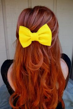 I so adore bows in hair ^^