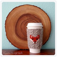 Too cute! Make this fox mug cozy with Lion Brand Fishermen's Wool. Makes a great gift!