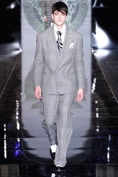 Versace Menswear Fall 2013 Donatella Versace, Gq Fashion, Versace Fashion, Fashion Show, Versace Men, Versace Designer, Milan Fashion Weeks, Vogue, Lingerie For Men