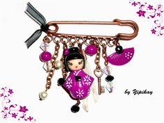 Broche poupée kokeshi  http://www.creactivites.com/accessoires-fimo/2197-broche-avec-epingle-de-surete-3-yeux-52-x-14-mm.html                                                                                                                                                                                 Plus