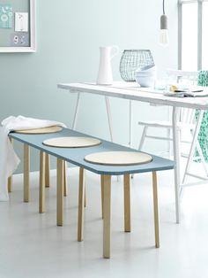 Bench, DIY, Ikea stool, dining table, blue | Photographer Louis Lemaire/InsideHomePage.com | Styling Marieke de Geus | vtwonen September 2015