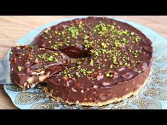 1 φλιτζάνι καρύδια και θα το έχετε σε λίγα λεπτά !! Χωρίς φούρνο! Χωρίς αυγά! χωρίς ζάχαρη! - YouTube Baking Recipes, Dessert Recipes, Desserts, Chocolates, No Bake Cake, Doughnut, Sweet Treats, Cheesecake, Food And Drink