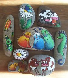 80 Creative DIY Home Decor Ideas with Pebbles and River Rocks That Will Find a Good Use for Your Stone Collection - Usefull Information Pebble Painting, Pebble Art, Stone Painting, Rock Painting, Stone Crafts, Rock Crafts, Arts And Crafts, Art Pierre, Hand Painted Rocks