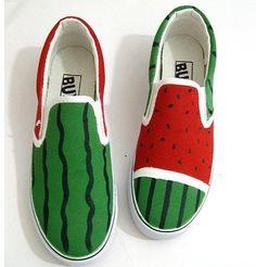 Aliexpress.com: Prodám SpongeBob SquarePants Pattern Kids Ručně malované boty Dětské Tenisky plátno High top Lace Rodič dítě Velikost 23 40 ze spolehlivých krajkou vzadu družička dodavateli šaty na Ručně malované Prince NO 1 Shop   Alibaba Group Hand Painted Shoes, Kids Hands, Spongebob Squarepants, Kids Sneakers, Crazy Shoes, Lace Tops, High Tops, Slip On, Canvas