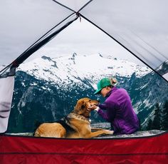 Adventure dogs // Camping with dogs Adventure Awaits, Adventure Travel, Oh The Places You'll Go, Places To Visit, Photo Voyage, Kayak, Adventure Is Out There, Go Camping, Go Outside