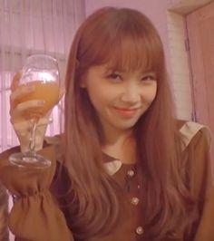 Kpop Girl Groups, Kpop Girls, K Pop, Secret Song, Troll Face, Survival, Uzzlang Girl, Famous Girls, Meme Faces