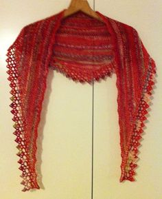 Knitted Shawls, Knitting, Knits, Barn, Inspiration, Fashion, Ponchos, Pictures, Knit Shawls
