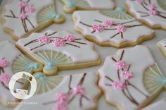 Sugar cookie wedding favors for my brother's wedding. Japanese Theme Parties, Japanese Party, Japanese Wedding, Cherry Blossom Party, Cherry Blossoms, Japanese Birthday, Wedding Fans, Zen Wedding, Wedding White