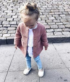 Blissfully Brunette by Hannah Read Source by kdiekfelder fall fashion kids Little Kid Fashion, Cute Kids Fashion, Little Girl Outfits, Baby Girl Fashion, Toddler Fashion, Toddler Outfits, Fall Fashion Kids, Cute Kids Outfits, Fall Outfits