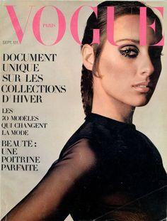 Corsage Yves Saint-Laurent en couverture de Vogue septembre 1968, photo Jeanloup Sieff