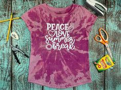 Reverse Tye Dye, Tie Dye Patterns, Girls Camp, Tie Dye T Shirts, Summer Crafts, Silhouette Projects, Vinyl Designs, Heat Transfer Vinyl, Cool Shirts