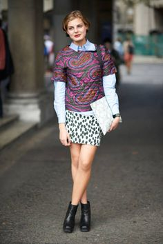 May we nominate Claire for the level of expert print-mixer? #streetstyle