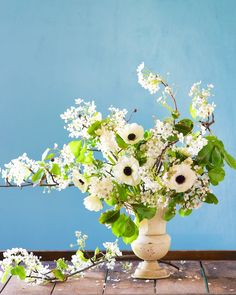 Winter Blossoms | crabapple blossom, anemone, tuberose | Kiana Underwood | tulipina.com
