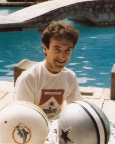 Queen Brian May, I Am A Queen, John Deacon, Princes Of The Universe, Famous Pictures, Queen Pictures, Queen Band, I Still Love You, Save The Queen