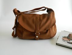SALE SALE SALE Kylie in cognac // Messenger / by christystudio