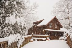 Snow Cabin, Great Smokey Mountains, Tennessee photo via snoow