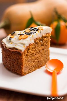 Halloween Butternut Cake - Food for Love- Halloween Butternut Cake – Food for Love Le carrot cake est une de mes rares drogues sucrées …… - Desserts With Biscuits, Cream Cheese Desserts, Köstliche Desserts, Fun Baking Recipes, Sweet Recipes, Cake Recipes, Dessert Recipes, Love Cake Recipe, Food Tags