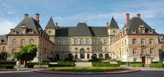 Cite Universitaire Maison internationale...where I'll be attending class!!