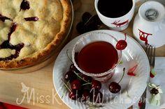 """Hot Damn—that pie is good!"" Twin Peaks inspired Cherry Pie Cocktail via http://MissKitchenWitch.com"