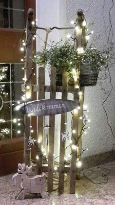 Encante o seu jardim ao estilo do outono e do inverno com estes .> 25 + - im freien diy dekorationen kreative ideen - Natal Outdoor Christmas, Rustic Christmas, Simple Christmas, Christmas Home, Cheap Christmas, Christmas Trees, Christmas Crafts, Diy Christmas Decorations Easy, 242