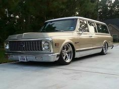 Chevy Classic Suburban..