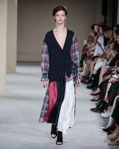 EZUMi 2020年春夏コレクション   東京 Fashion 2020, Runway Fashion, Girl Fashion, Fashion Dresses, Womens Fashion, Fashion Design, Grunge Look, Fashion Show Collection, Nice Dresses